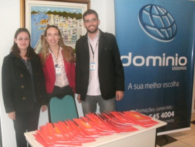 Equipe de Florianópolis recebendo os clientes