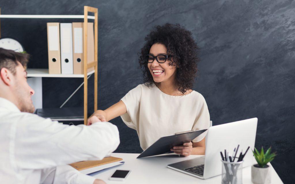 Conversar abertamente com o cliente estreita o relacionamento
